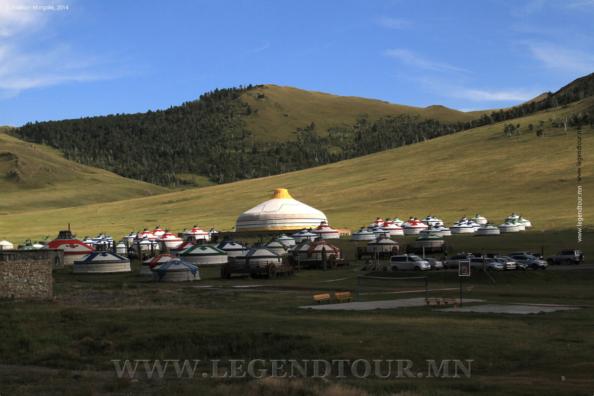 Chinggis Khaani Khuree  (Chinggis Khaan Khuree, Chingisiin Khuree) ger camp
